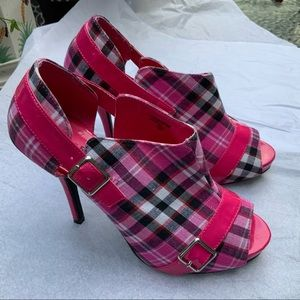 WILD ROSE PEEP TOE PINK PLAID PUMPS SZ 9